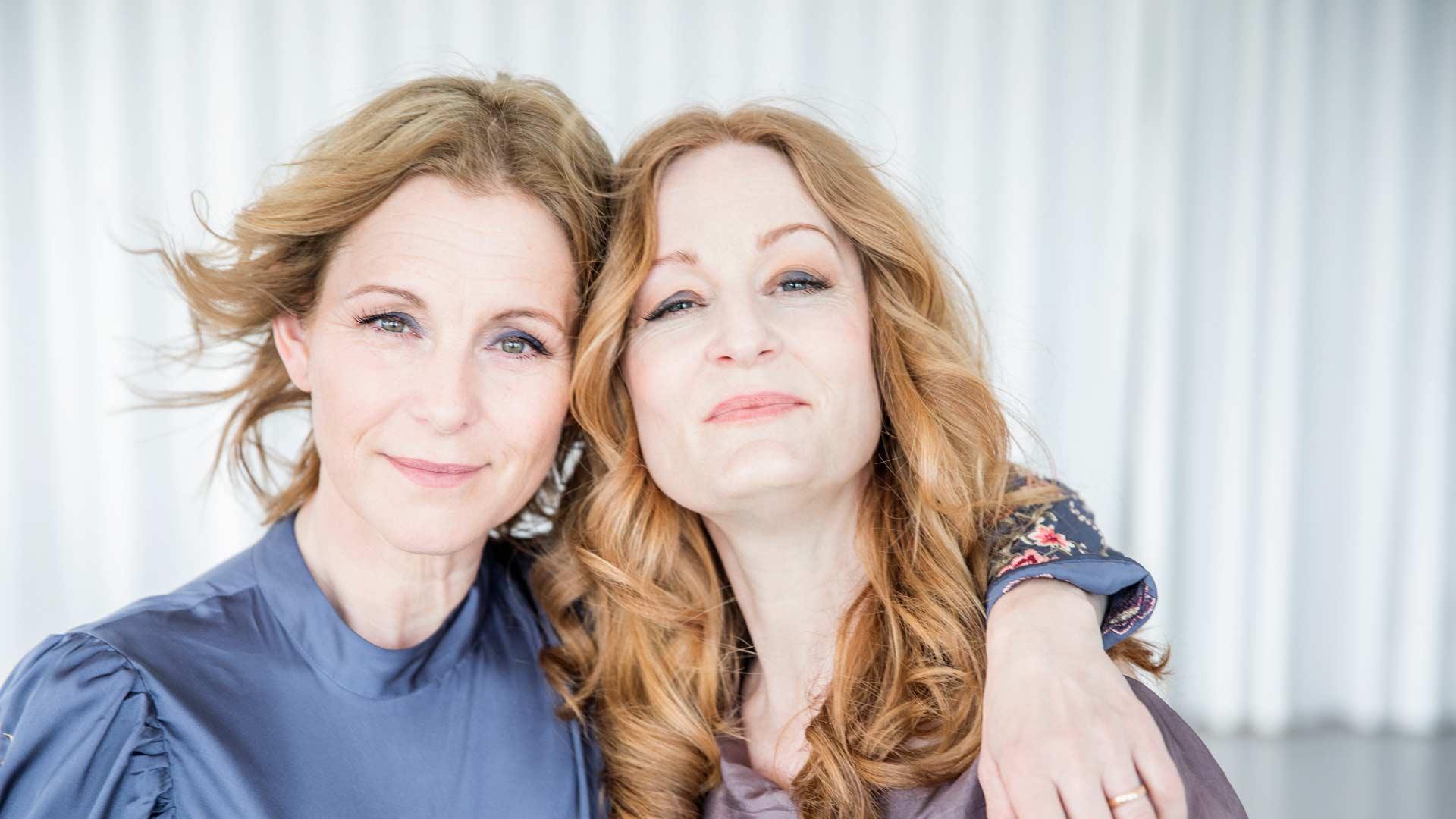 Intervju: Helen Sjöholm och Anna Stadling